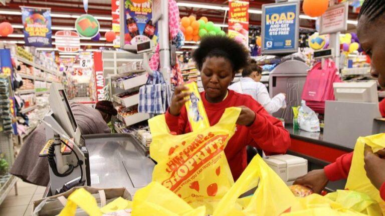 Nigeria Consumer Sentiment on Current Economic Conditions Drops on Recession Concerns
