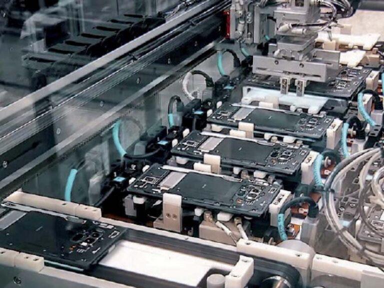 Global smartphone industries to establish plants in Nigeria soon, says minister