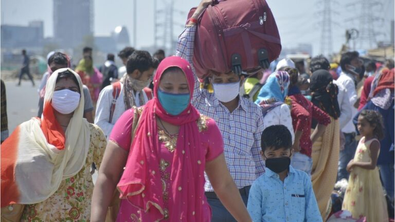 Hundreds of thousands of people leave Britain due to pandemic