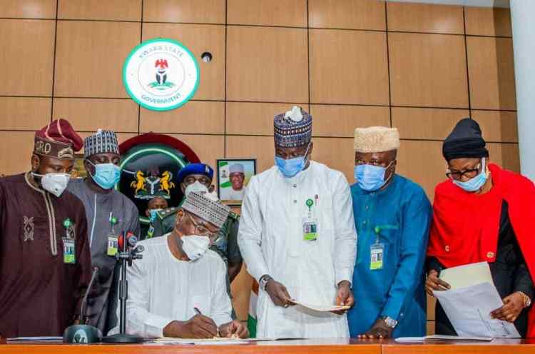 Gov. AbdulRazaq signs N137.6bn 2021 Kwara Appropriate Bill into law