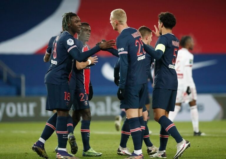 Pochettino gets first PSG win as French champions edge closer to Lyon