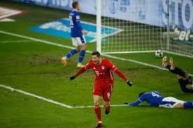 Bayern Munich extend lead to 7 points after routing Schalke 04