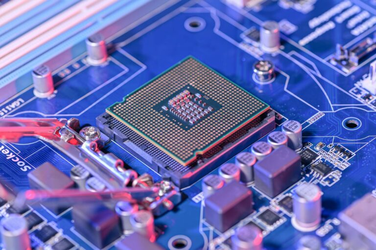 China's most important chipmaker SMIC could be a big winner from the global semiconductor shortage