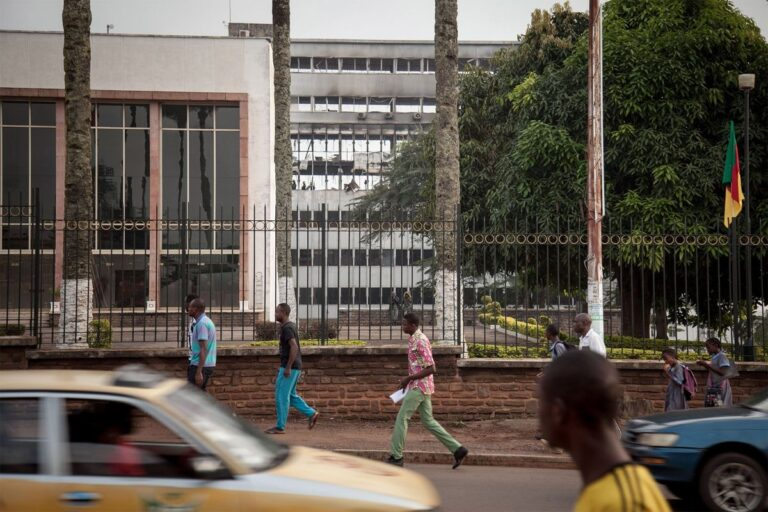 Cameroon in Talks With Rothschild to Advise on Eurobond Sale